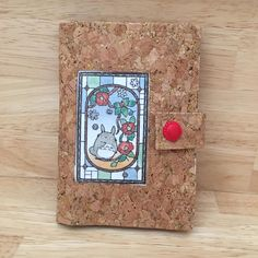 Portefeuille Compère en liège naturel et coupon illustré cousu par Meylia - Patron Sacôtin
