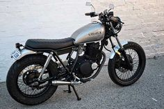 The 250 – 66 Motorcycles - Cafe Racer Suzuki Cafe Racer, Cafe Racer Seat, Cafe Racer Build, Estilo Cafe Racer, Cafe Racer Style, Bike Style, Tracker Motorcycle, Cafe Racer Motorcycle, Vintage Motorcycles