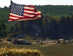 A makeshift altar, constructed for a worship service, overlooks the the crash site of United Airlines Flight Sunday, Sept. in Shanksville, Pa. The plane was hijacked and crashed during Tuesday's terrorist attacks. (AP Photo/Gene J. World Trade Center Attack, Trade Centre, United Airlines Flight 175, Flight 93, North Tower, Praying For Our Country, Worship Service, Memorial Museum, Airline Flights