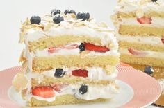 Imperial Sugar Recipe: Four Layer Cake with Crème Chantilly & Berries Chantilly Cake Recipe, Berry Chantilly Cake, Chantilly Cream, Whole Food Recipes, Cake Recipes, Dessert Recipes, Yummy Recipes, Just Desserts, Delicious Desserts