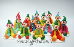 fondant clowns Circus Cupcakes, Clown Cake, Fondant People, Send In The Clowns, People Figures, Fondant Tutorial, Fondant Figures, Character Modeling, Party Cakes
