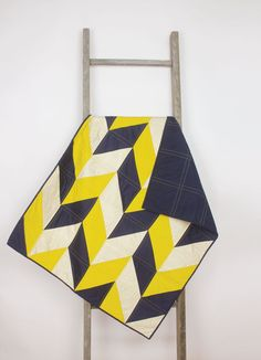 Baby quilt – Chevron/geometric - navy blue, yellow, white, modern, handmade, unique, play mat