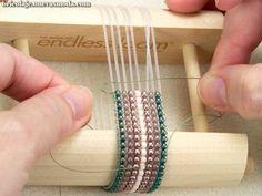 Creativos y Geniales Making Endless Loom Estiramiento De Las Pulseras