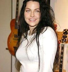 Amy Lynn Lee Hartzler  - Evanescence 012 by gamerakel, via Flickr
