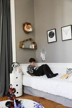 Céline Faraud and Fabrice, <br>Valentine Baptiste <br>Paulin 9 years old Living Room Interior, Living Room Decor, Living Spaces, Room Ideas Bedroom, Kids Bedroom, Scandinavian Kids Rooms, Old Room, 9 Year Olds, Contemporary Bedroom