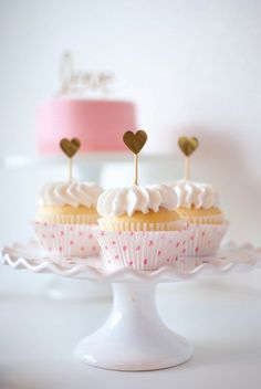 Pink & Gold #Valentine's Day cupcakes
