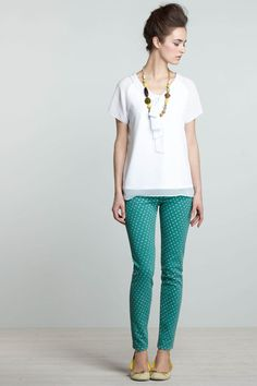 Ok, I'm usually against legging as regular pants, but if I could look like this...sigh........