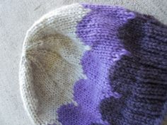 Knittedly | Ombre scalloped beanie