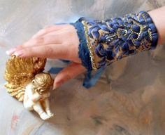 Cuff with ribbon embroidery