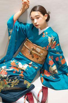 Japanese Kimono, Japanese Girl, Japanese Geisha, Pastel Hoodie, Cute Kimonos, Modern Kimono, Yukata Kimono, Pose Reference Photo, Kimono Pattern