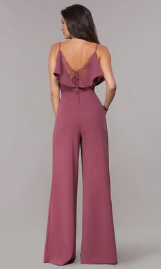 Wedding Guest Wide-Leg V-Neck Maroon Jumpsuit - Outfit Ideen Jumpsuit Formal Wedding, Semi Formal Dresses For Wedding, Formal Jumpsuit, Wedding Wallpaper, Jumpsuit Elegante, Cocktail Bridesmaid Dresses, Wedding Bridesmaids, Jumpsuit Outfit, Jumpsuit Style