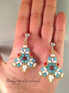 Earrings Triangle Realizzati da Babijoux Handmade Creations (Barbara De Laurentiis) Tutorial color graphics pictures in Italian or in English.