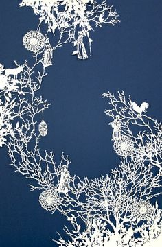 GLORIOUS cut paper art by Emma van Leest. posted by Scott to… Kirigami, Papercut Art, Cut Out Art, Paper Animals, Paper Artwork, Paper Snowflakes, Art Original, Origami Paper, Paper Cutting