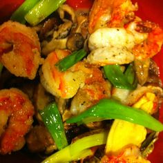 Stir fry shrimp with mushroom in xiaoxing wine sauce and sesame oil