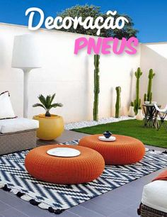 8 modern outdoor livings spaces that will surely inspire and motivate you to get outside. pillow balcony 8 Modern Outdoor Living Spaces That Will Make You Never Want to Go Inside Outdoor Lounge, Outdoor Rooms, Outdoor Gardens, Outdoor Ideas, Exterior Design, Interior And Exterior, Interior Architecture, Craftsman Exterior, Grey Exterior