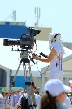 Broadcast television show Air Show, First Photo, Photos, Pictures