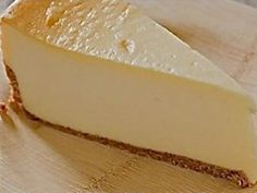 A rich and creamy baked cheesecake that makes a great dinner party dessert, or a perfect teatime treat.An awesome-tasting, wonderfully-textured cheesecake that your family will love. Banting Desserts, Banting Recipes, Low Carb Desserts, Low Carb Recipes, Real Food Recipes, Dessert Recipes, Cooking Recipes, Yummy Food, Pescatarian Recipes