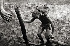 Goldmine, Serra Pelada, Brazil [climbing] 1986 gelatin silver print