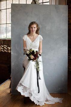 Braut mit Brautstrauß und offenen Haaren bei www.weddingstyle.de   Foto: Doreen Kühr