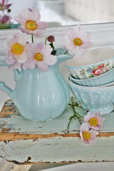 Decora tu hogar con tazas de porcelana