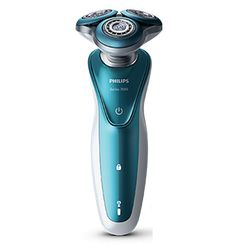 <b>Shaver Series 7000</b><br/>Smooth glide, maximum comfort