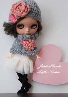 Blythe cozy outfit ooak hat and poncho scarf by juliettaexussetta, €16.00