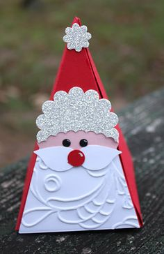 Designed by maryross: Christmas Tree box petal cone die, details and pics favor Christmas Paper Crafts, Stampin Up Christmas, Noel Christmas, Christmas Projects, Holiday Crafts, Christmas Decorations, Punch Art Cards, Theme Noel, Winter Cards