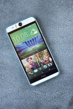 The front facing flash allows you to take a selfie whenever and wherever, no matter the lighting.   HTC Desire Eye