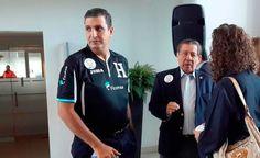 """Honduras sale en defensa de México por grito de 'pu**' Desde hace varios meses, se trató de erradicar el tradicional grito de """"puto"""" en los estadios de futbol en México; sin embargo, la mayoría de las selecciones hacen caso omiso en el tema. Por su parte, el presidente de de la Federación Nacional Autónoma del Fútbol de Honduras (FENAFUTH), Jorge Salomón, aseguró que no les afecta."""