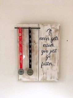 Medal display board - Runner Medal holder - Cycling medal holder - Triathlon - Achievement board - winners board - Medal rack