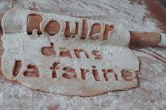 "faire ""rouler quelqu´un dans la farine"" = to trick someone"