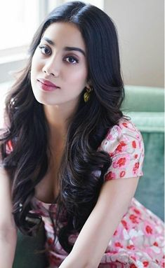 Janhvi Kapoor floating hair and live hair , Beautiful hair of jahnvi kapoor and Janhvi Kapoor animated pic. This is live picture of janhvi kapoor , you can u. Beautiful Bollywood Actress, Most Beautiful Indian Actress, Beautiful Actresses, Beauty Full Girl, Beauty Women, Stylish Girl Images, Beautiful Girl Image, Most Beautiful Eyes, Beautiful Women