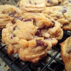 Gluten Free Bisquick Chocolate Chip Cookies (gluten free bisquick, gluten free cookie recipes, gluten free dessert recipes)