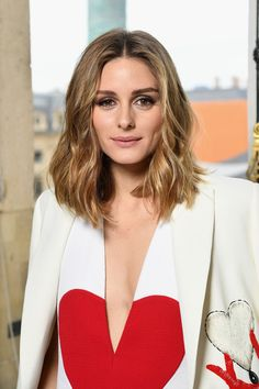 Olivia Palermo Medium Wavy Cut - Olivia Palermo looked stylish with her textured waves at the Schiaparelli Couture show.