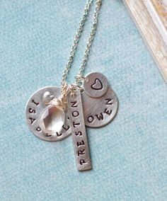 personalized mothers necklace personalized charm necklace name