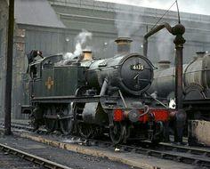 The Improving British Train Service - Getting the Most From It Diesel Locomotive, Steam Locomotive, Steam Trains Uk, Rail Transport, Steam Railway, Old Trains, British Rail, Train Pictures, Great Western