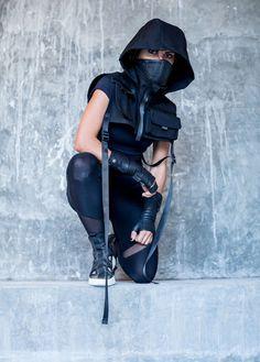 The Higher Ground Hooded Black Canvas Cropped Unisex Tech Wear Vest Mode Cyberpunk, Cyberpunk Fashion, Dystopian Fashion, Punk Outfits, Girl Outfits, Fashion Outfits, Steampunk Fashion, Gothic Fashion, Alternative Mode