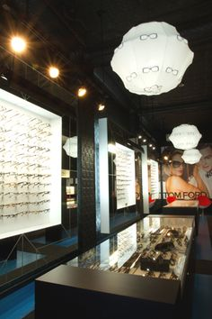 Optical store by moodesign, Montreal Lunetterie : Optique T'as vu?