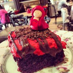 Red Riding Hood cake! Red Riding Hood, Brownies, Sugar, Cake, Desserts, Food, Cake Brownies, Tailgate Desserts, Deserts
