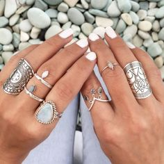 Boho Jewelry Punk Ethnic Antique Silver BOHO Ring - Bohemian Ring Set Available In Silver Our Bohemian Jewelry Go Perfectly With Any Outfit. ***At Very Affordable Prices*** Hippie Style, Hippie Look, Hippie Chic, Boho Chic, Boho Style, Hippie Gypsy, Gypsy Style, Jewelry Box, Silver Jewelry