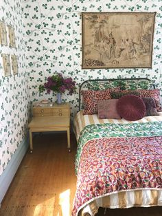 Small Living, Living Spaces, Sweet Home, Bedroom Bed, Attic Bedrooms, Master Bedroom, Living Room Colors, Home Decor Trends, Places