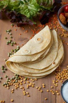 Selbstgemachte Weizen Tortilla   Homemade Flour Tortilla   Rezept auf carointhekitchen.com   #Tortilla #Rezept #Recipe