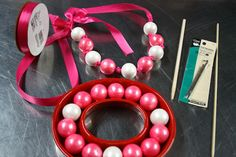 DIY Valentine gumball necklace via @Hollywood Candy Girls INC