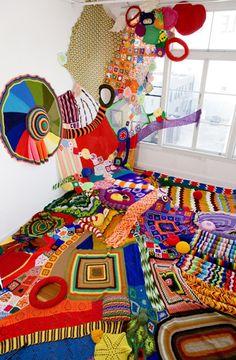 And the creativity keeps on coming! From filatura di crosa: knit art by Sarah Applebaum. what's the first thing you see? Knit Art, Crochet Art, Freeform Crochet, Instalation Art, Drawn Art, Textile Fiber Art, Fibre Art, Yarn Bombing, Soft Sculpture