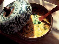 Pyszna, rozgrzewająca i sycąca zupa tajska z mlekiem kokosowym! Choć każda pogoda ma swój urok a deszcz ogromną wartość, to w pochmurny dzień...