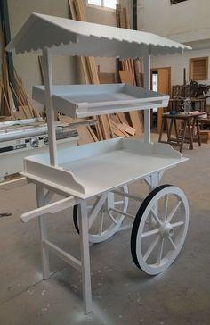 Discover thousands of images about Resultado de imagen para wedding sweet cart pattern Candy Bar Vintage, Wooden Cart, Vegetable Stand, Sweet Carts, Candy Cart, Craft Fair Displays, Flower Cart, Popcorn Bar, Market Stalls