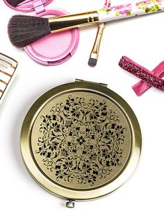 Hey, I found this really awesome Etsy listing at https://www.etsy.com/il-en/listing/251250290/refined-elegance-compact-mirror-black