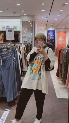 Modest Fashion Hijab, Modern Hijab Fashion, Street Hijab Fashion, Modesty Fashion, Hijab Fashion Inspiration, Teen Fashion Outfits, Muslim Fashion, Modest Outfits, Hijab Style