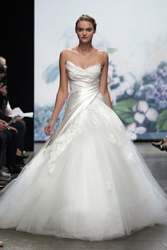 Super glamorous Monique Lhuillier Wedding Dresses. To see more: http://www.modwedding.com/2014/02/18/the-best-gowns-from-the-most-in-demand-wedding-dress-designers-part-7/ #wedding #weddings #fashion