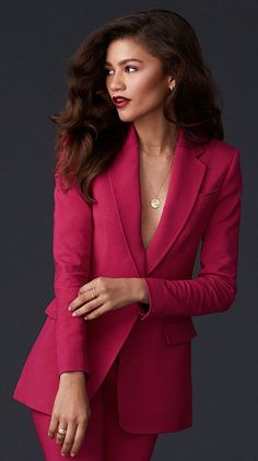 Zendaya Global Ambassador Makeup Looks Zendaya Style, Zendaya Coleman, Classy Outfits, Beautiful Outfits, Estilo Zendaya, Zendaya Outfits, Lawyer Fashion, Moda Formal, Photography Poses